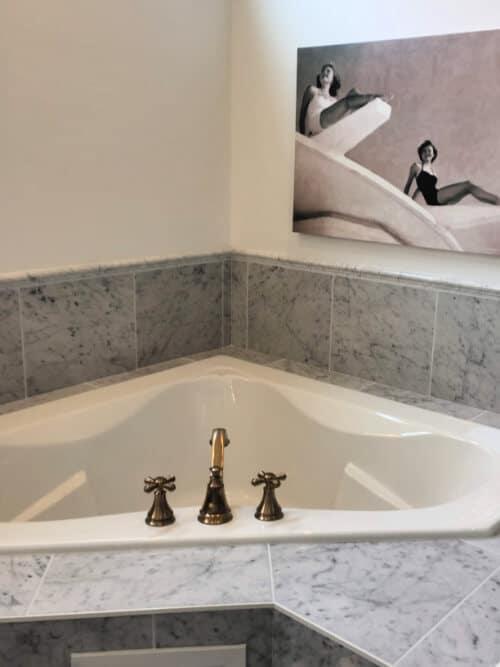 Old Hollywood Glam Soaking Tub